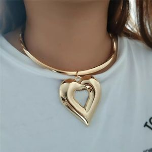 Cute Trendy Heart Necklace Set With Earrings